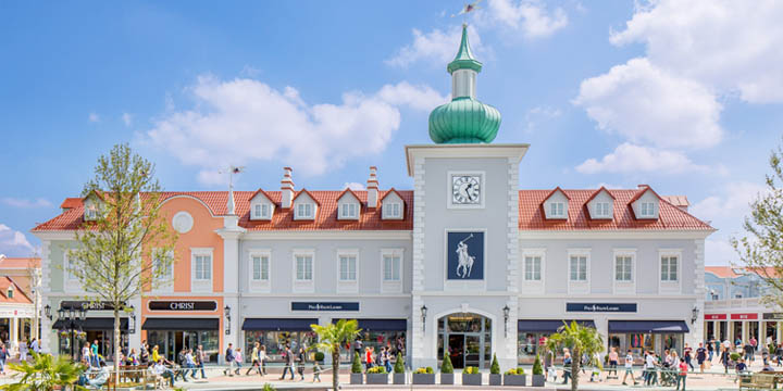 Designer Outlet Parndorf  2b0be2dc428